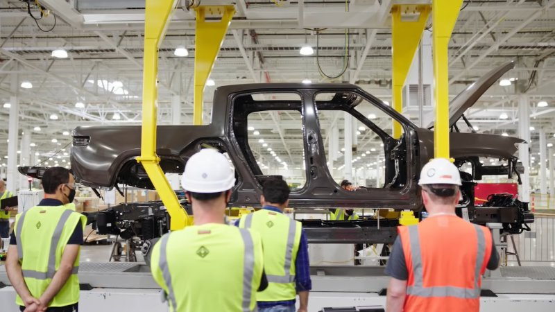 Rivian begins assembly of preproduction R1T electric pickup trucks