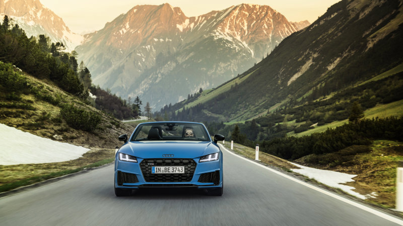 Audi TTS Competition Plus, TT Bronze Selection introduced